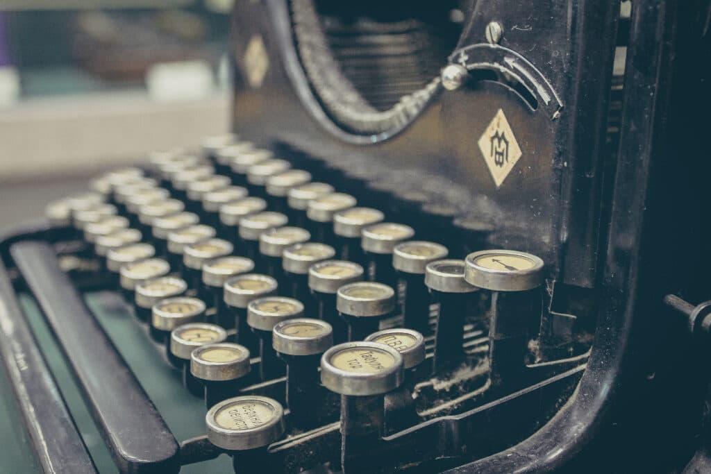 vintage-technology-keyboard-old